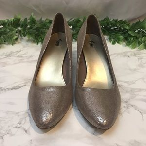Fioni Shimmering Champagne Nude Heels size 10W EUC
